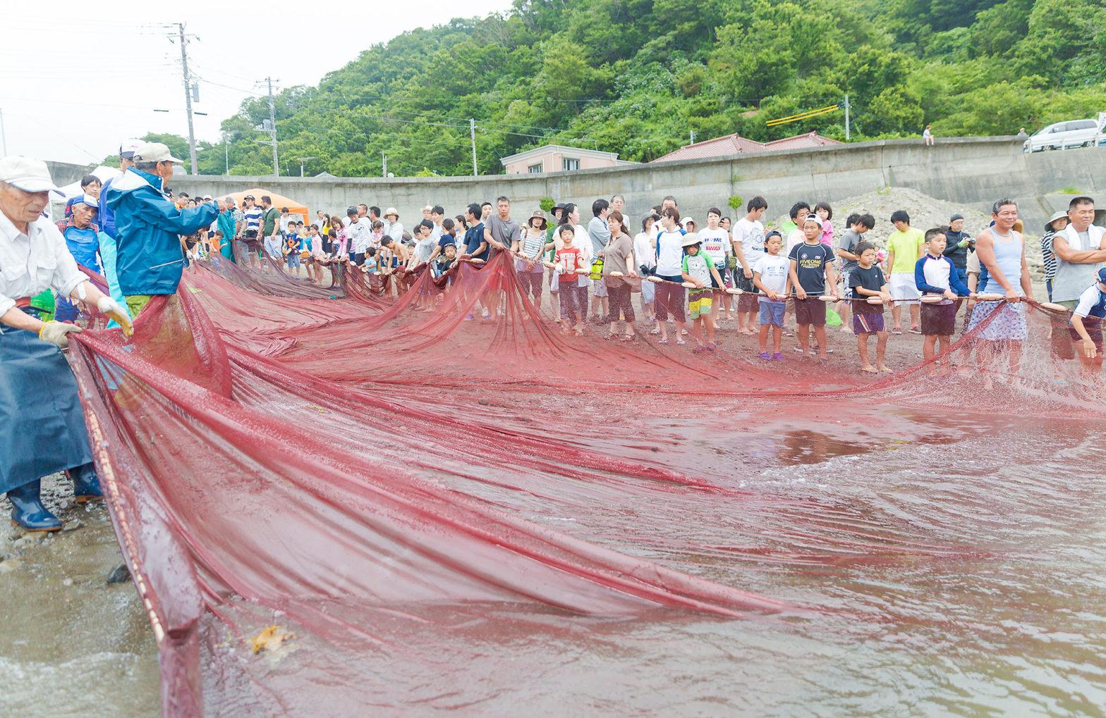 Ishibu Onsen Giant Dragnet Festival